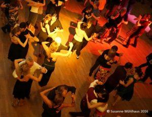 Milonga SUR im Theatersaal der Freien Turnerschaft München Süd